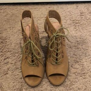 Alter'd State Tan Suede Booties w/cut outs. Size 8